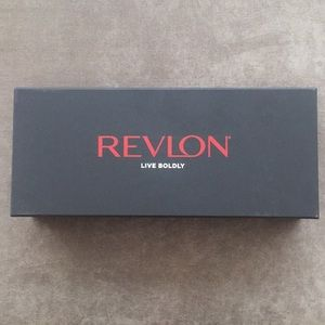 Revlon New Mood of Matte Lipstick Gift Set